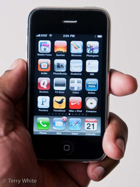 iphone3gsinmyhand1
