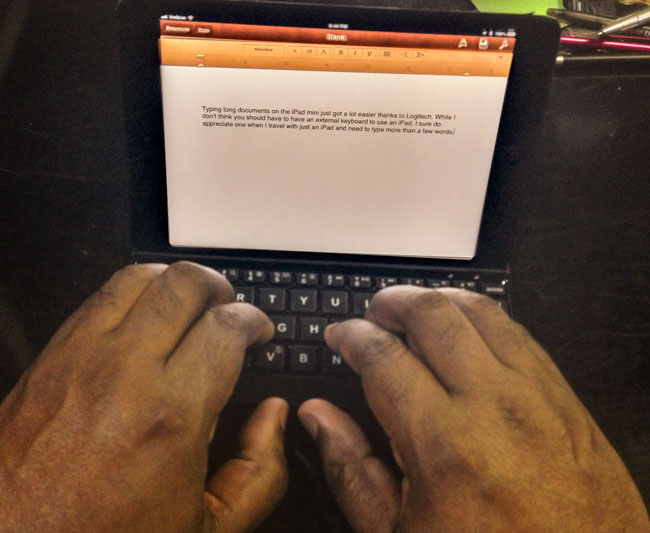 logitech_ultrathin_mini_my_hands