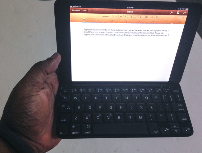 logitech_ultrathin_mini_stand_in_my_hand