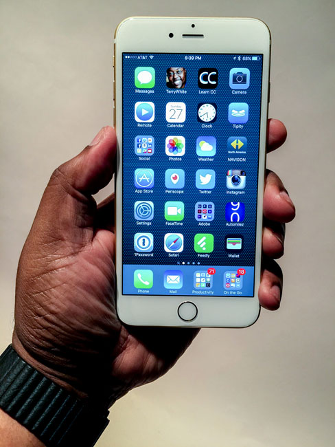 iPhone6sPlus-in-my-hand