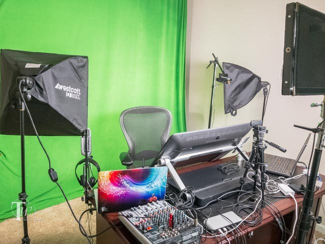 Live streaming studio green screen